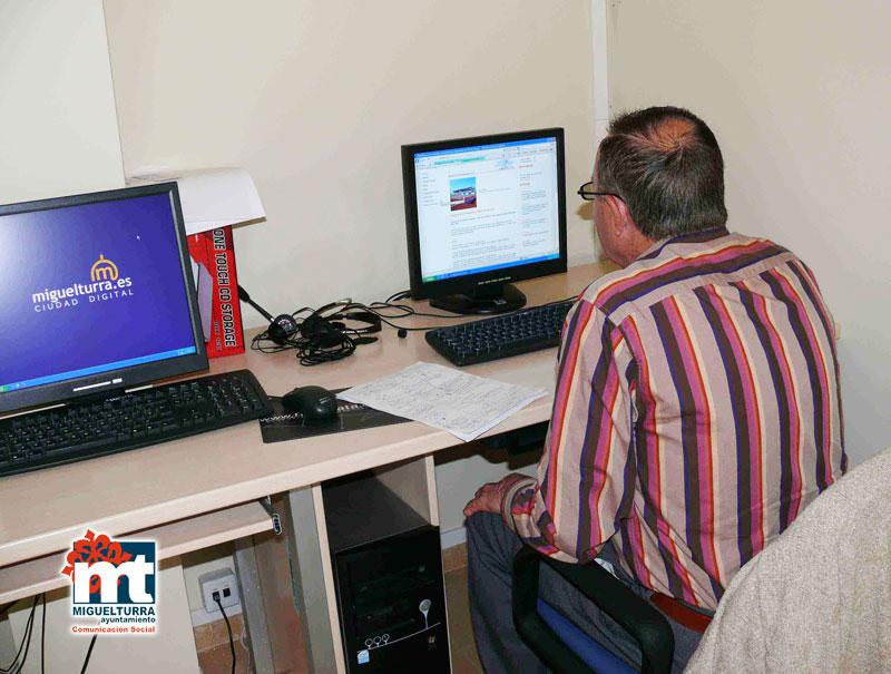 Servicio de Mediateca: Una terapia para nuestros mayores a través de las nuevas tecnologías