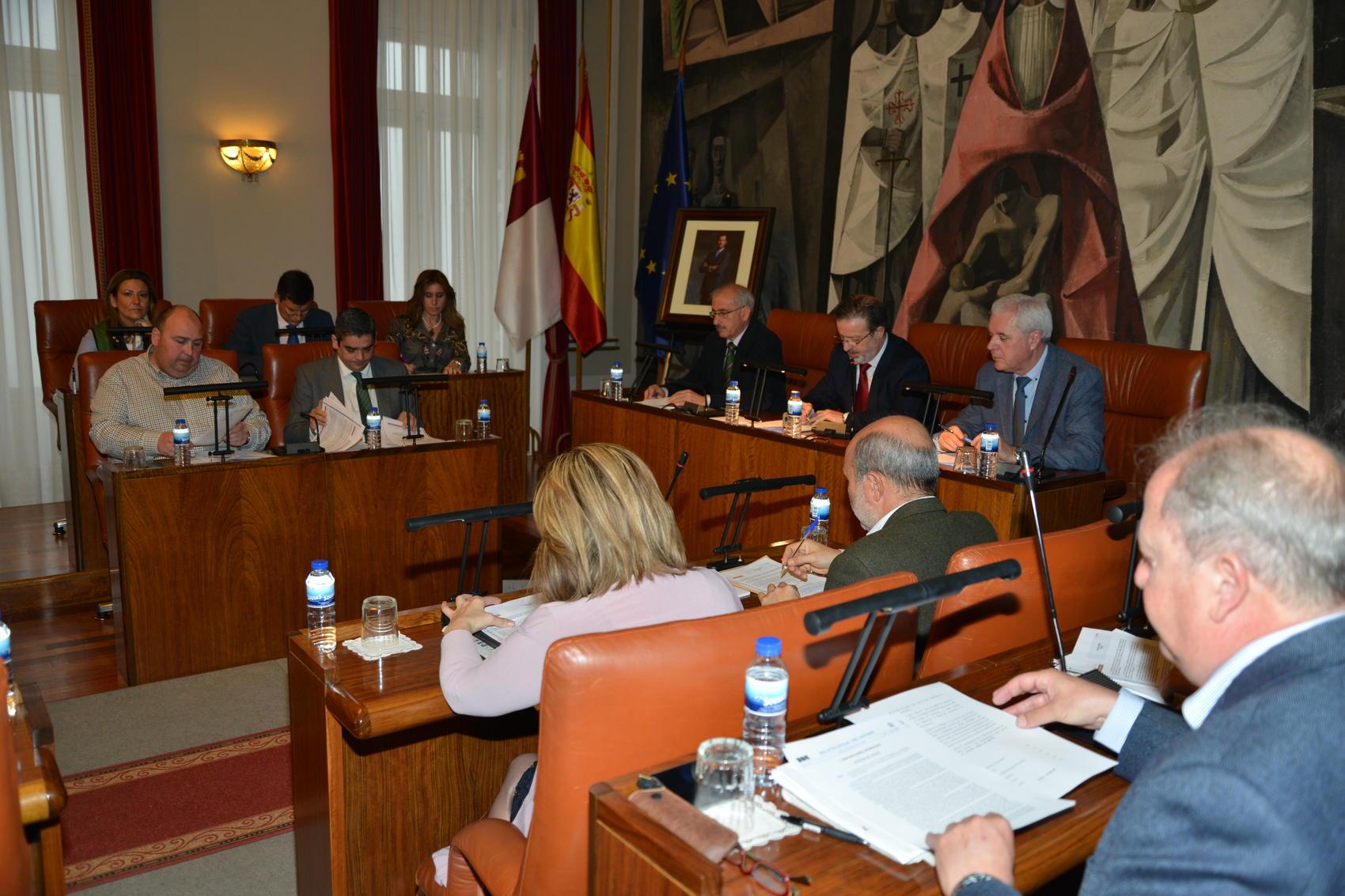 La Diputación modifica créditos para destinar 6 millones de euros más a empleo y becas comedor