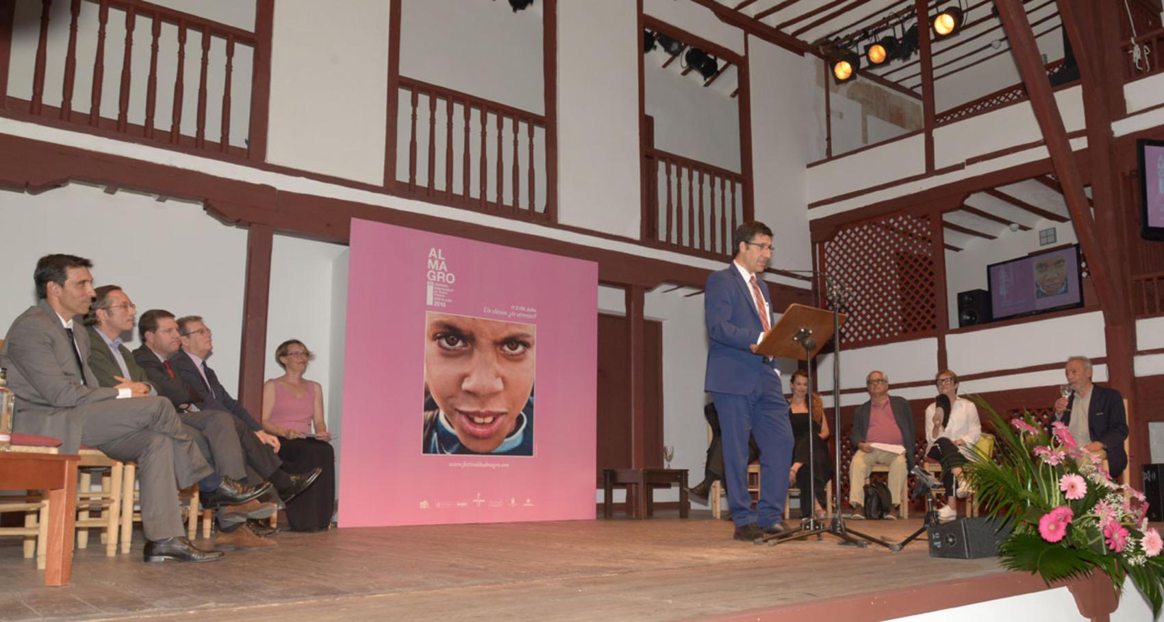 Caballero renueva el compromiso de la Diputación con el Festival de Teatro de Almagro