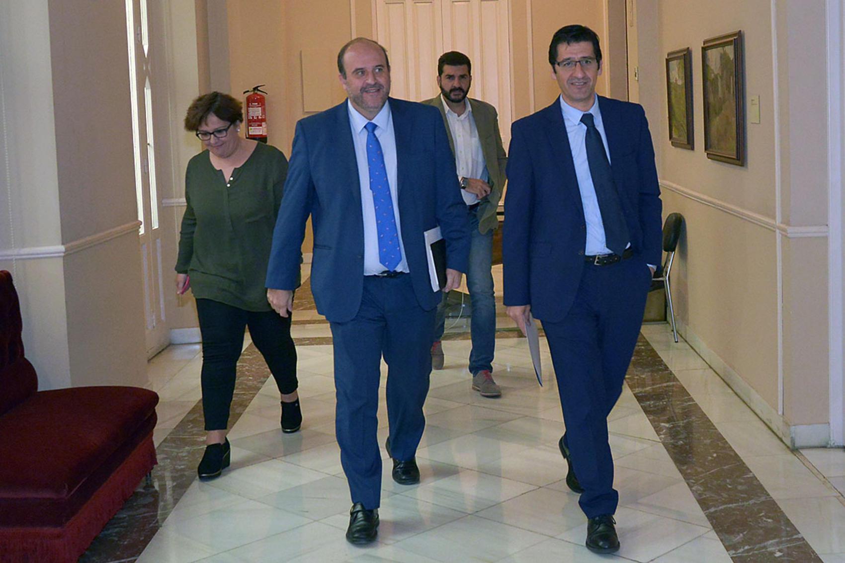 Diputación y Junta ven la urgente necesidad de intervenir en la provincia para reducir el paro