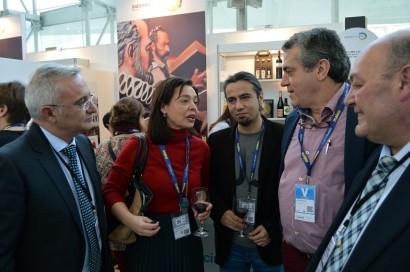 """Pilar Zamora presenta en """"Madrid Fusión"""" el calendario gastronómico 2016 de Ciudad Real"""