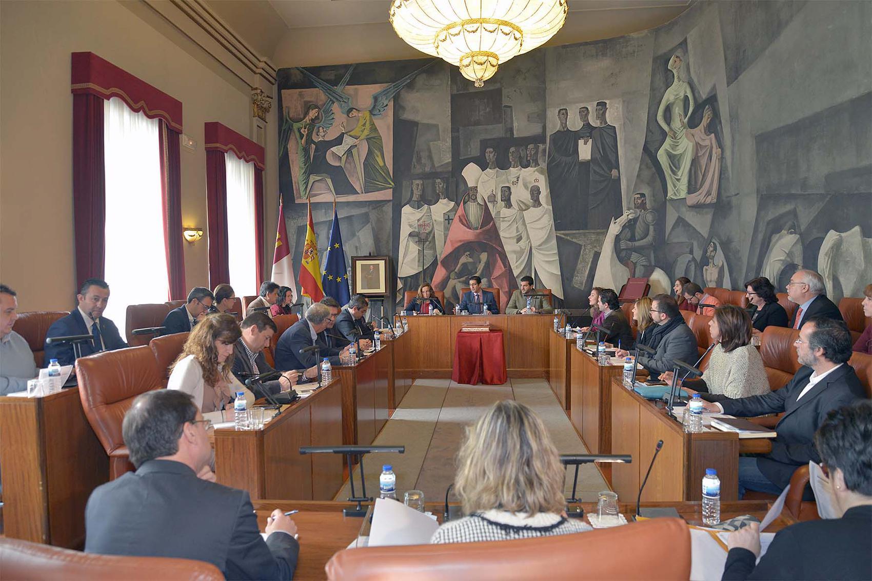 El pleno aprueba una moción en defensa y en apoyo de la Diputación de Ciudad Real
