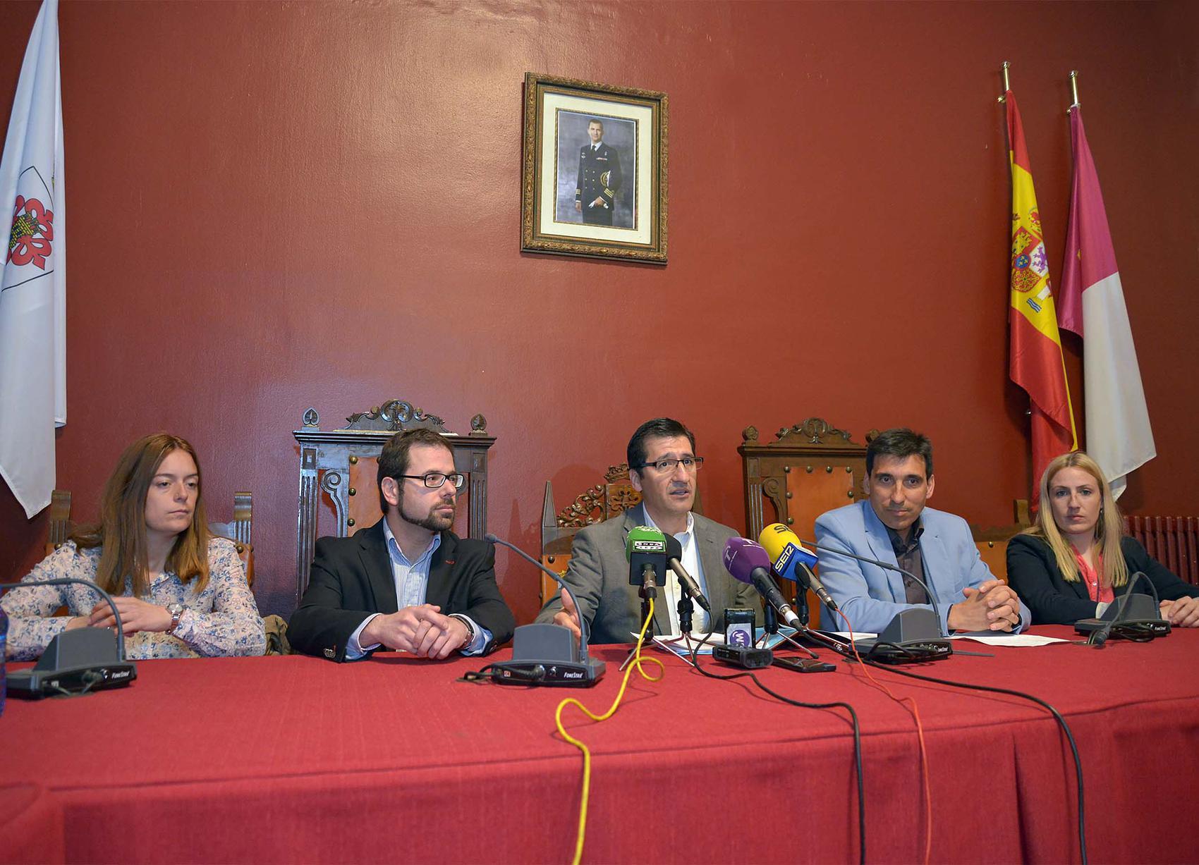 Caballero presenta en Almagro el plan de empleo de la Diputación para 2016