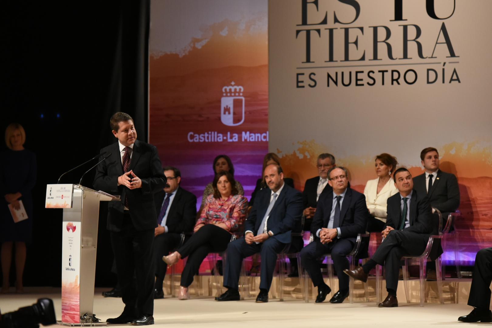 El Gobierno regional celebra los 34 años de autonomía de Castilla-La Mancha de la mano de los agentes sociales y económicos