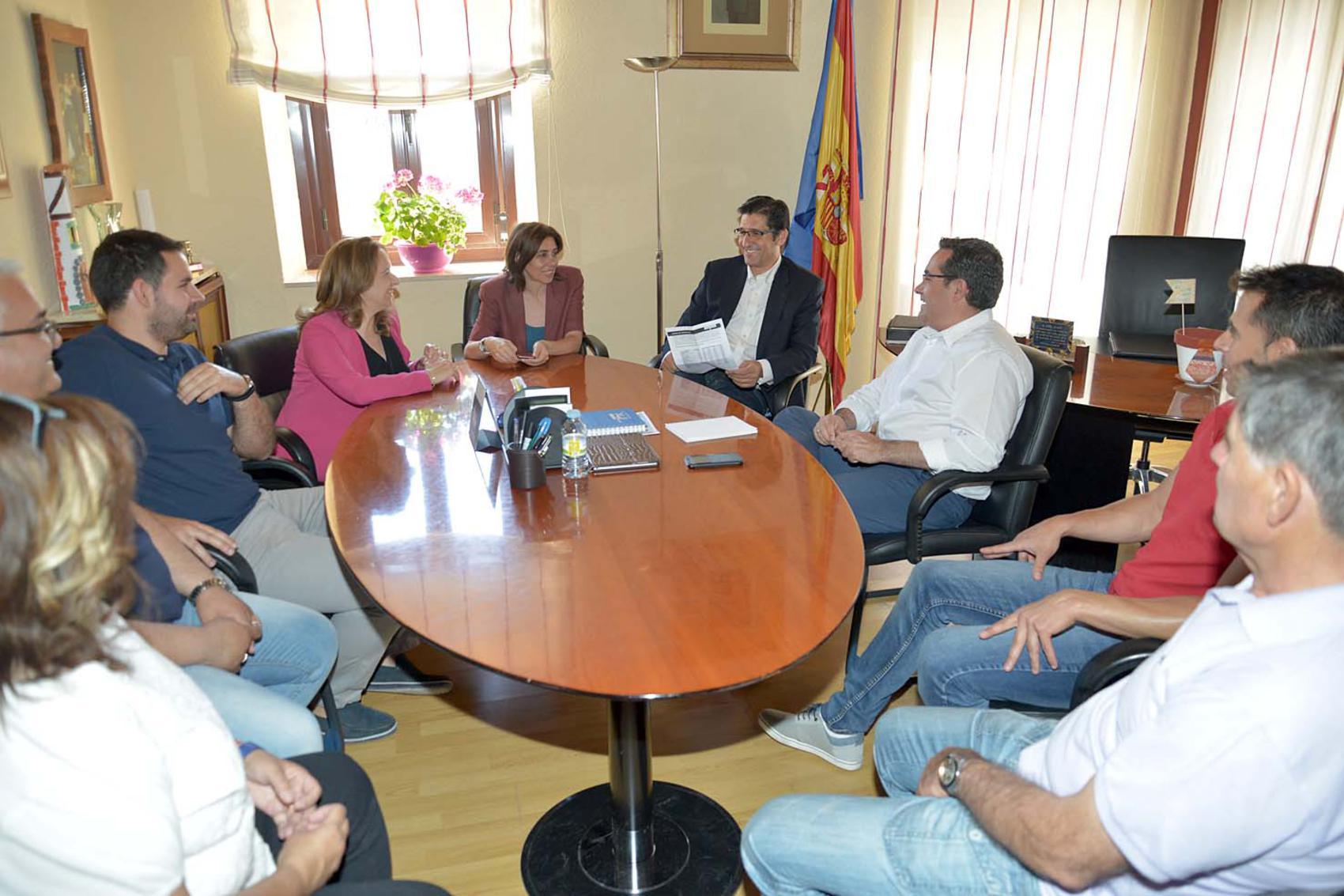 Caballero anuncia en Pedro Muñoz el Plan de Apoyo a municipios entre 3000 Y 10000 habitantes