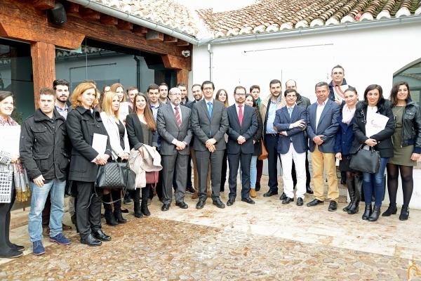 """El presidente de la Diputación se reúne con los alumnos del programa """"Impulsa Agro"""""""