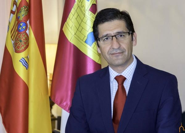 El presidente de la Diputación condena el asesinato machista de una mujer y su hija en Daimiel
