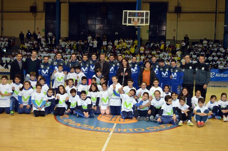 """Más de 800 escolares de Ciudad Real arropan a los """"Megacracks"""" del INTER Movistar Fútbol Sala"""