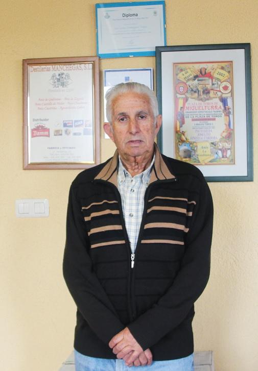 Dominico Domínguez Ramos, la segunda generación que todavía se mantiene al pie del cañón