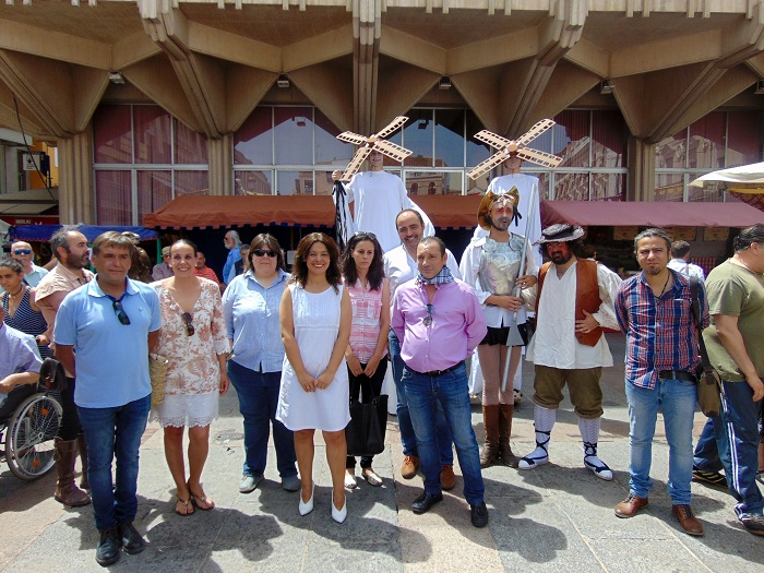 Pilar Zamora inaugura el Gran Mercado Cervantino