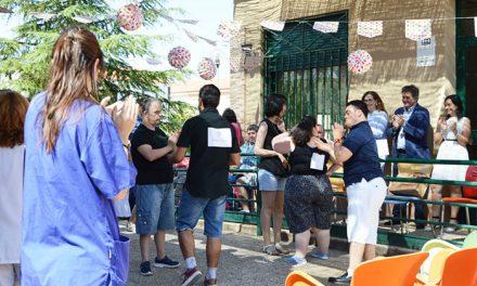 El Centro Ocupacional 'Azuer' despide el curso bailando