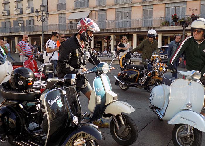 Casi cien aficionados de la vespa disfrutaron de la X Concentración organizada por Rocinante Scooter Club Ciudad Real