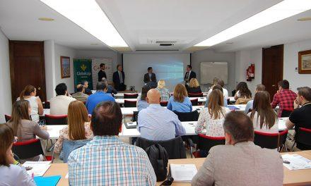 Globalcaja y la Cámara reúnen a una treintena de empresas en una jornada formativa sobre impuestos especiales del alcohol