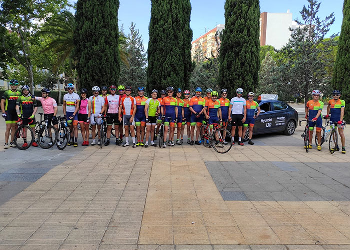 Juntos Por El Asfalto apoyando a los ciclistas de Puertollano