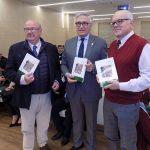 """El Colegio de Médicos clausura su """"espectacular"""" centenario con la presentación de un libro"""