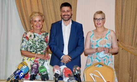 Societat Civil Catalana ficha a Carmen Quintanilla para lanzar su proyecto a toda España