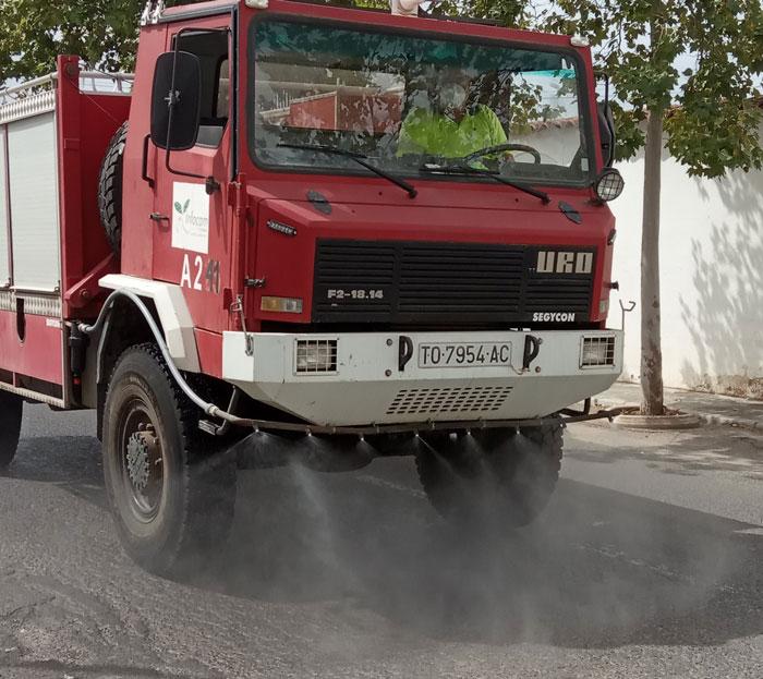 El Ayuntamiento de Bolaños continua con el operativo de desinfección con medios propios durante esta semana
