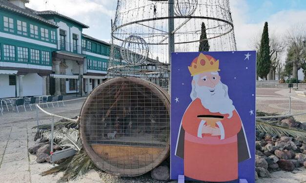 El Ayuntamiento de Almagro instala el buzón real en la Plaza Mayor