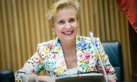 Carmen Quintanilla analiza el importante papel que jugaron las mujeres durante la Transición en un encuentro de la CEU San Pablo
