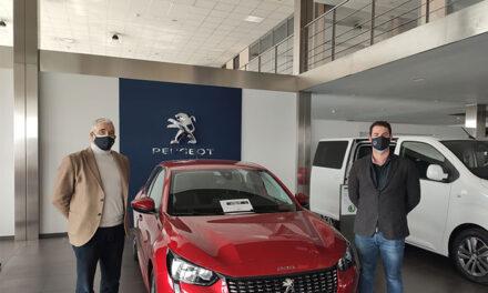 AJE Ciudad Real y Ciudauto firman un convenio con descuentos en la compra de vehículos para asociados