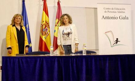 El CEPA Antonio Gala y la empresa Impresiona Rotulación potencian el empleo juvenil