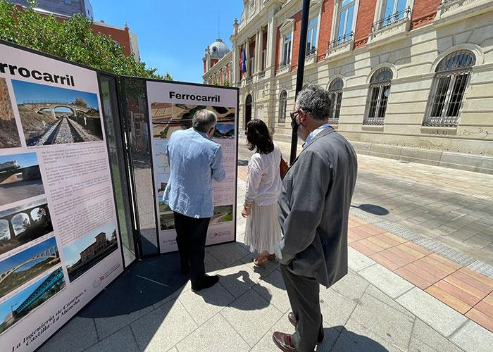 El Colegio de Ingenieros de Caminos inaugura en Ciudad Real una exposición que recorre la aportación de la ingeniería a la sociedad castellano-manchega