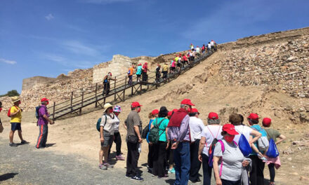 """El éxito de visitas y valoraciones sobre la ruta """"Una batalla entre volcanes"""" confirma el potencial turístico de Poblete"""