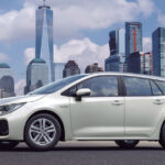 La familia híbrida de Suzuki crece con el nuevo SWACE