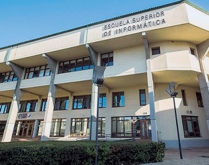 Escuela Superior de informática de Ciudad Real, una intensa historia de  superación en 32 años